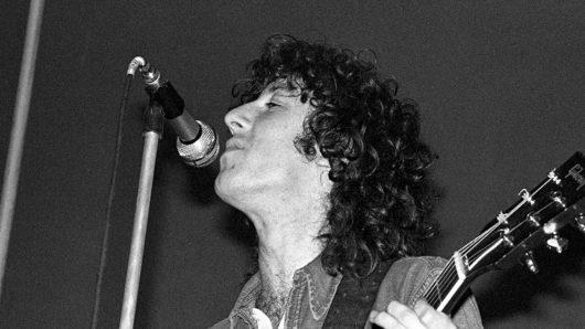 See Metallica's Kirk Hammett Play Peter Green's Guitar In Tribute Concert