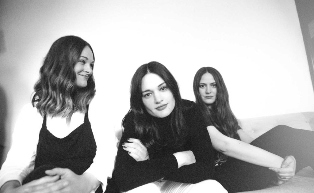 """Good Woman: <br /> Why The Staves <br /> Have Been <br /> """"Giving Fewer Shits"""""""