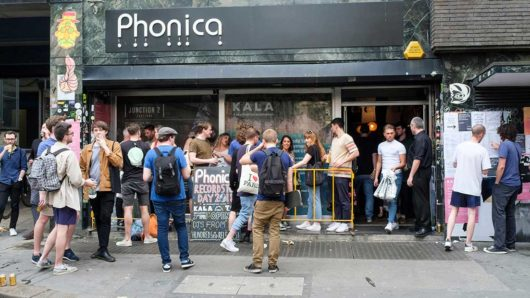 Record Store Day 2021 – Fans Hit The Shops